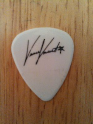vinnie-vincent-kiss-vinnie-vincent-invasion-rare-promo-guitar-pick-adfc65d767058e17a461ee4717dbd743.jpg